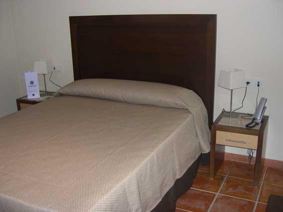 http://www.hotelresb2b.com/images/hoteles/84727_foto1_HABITACIONOK1.JPG