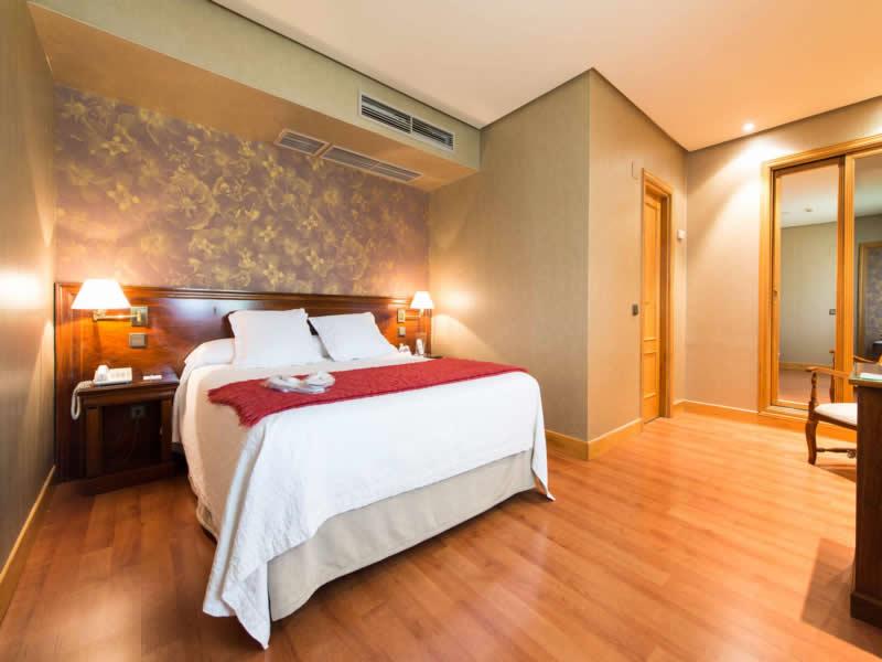 FELIPE IV - Hotel cerca del Club de campo La Galera