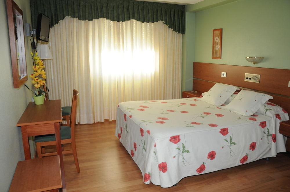 HOTEL CANAIMA - Hotel cerca del Real Aero Club de Vigo