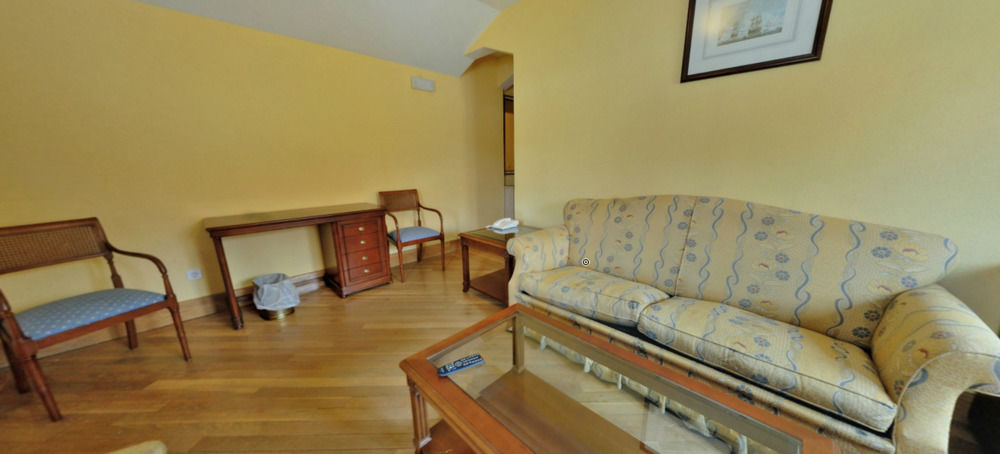 HOTEL MIRANDA & SUIZO - Hotel cerca del Asociación de Golf Villa del Escorial