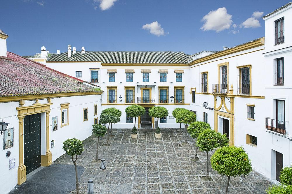 HOSPES LAS CASAS DEL REY DE BAEZA - Hotel cerca del Bar-Coctelería Garlochí