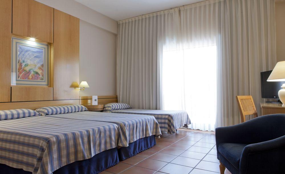 HOTEL INTUR BONAIRE* - Hotel cerca del NOU ESTADI MUNICIPAL CASTALIA