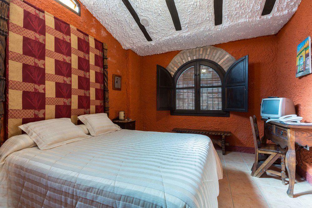 PALACIO GUZMANES - Hotel cerca del Club de Golf La Garza