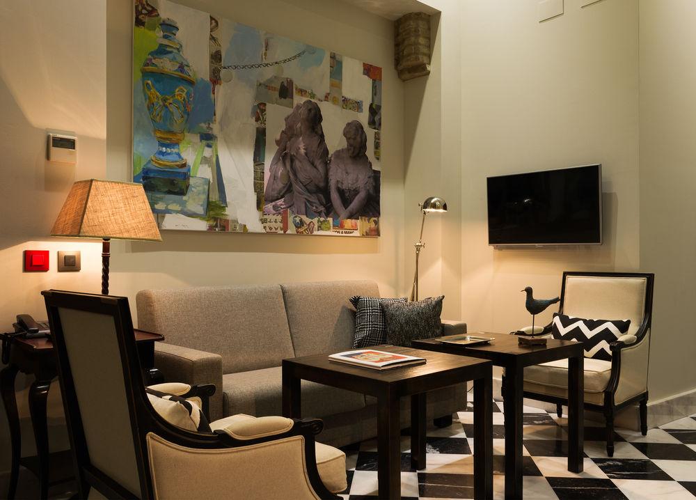 AGUILAS5 SEVILLASUITES - Hotel cerca del Bar-Coctelería Garlochí