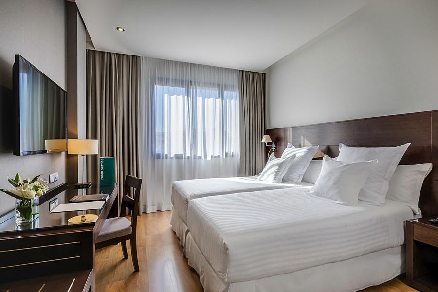 OCCIDENTAL GRANADA - Hotel cerca del Parque García Lorca de Granada