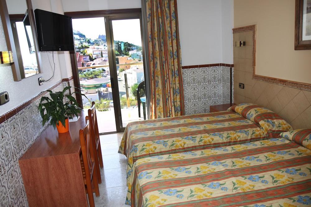 UNIVERS HOTEL - Hotel cerca del Parque Natural de Aiguamolls de l'Empordà