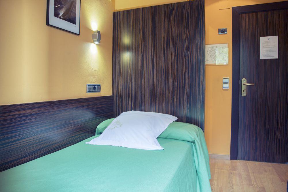 GRAN VIA - Hotel cerca del Estadio La Romareda