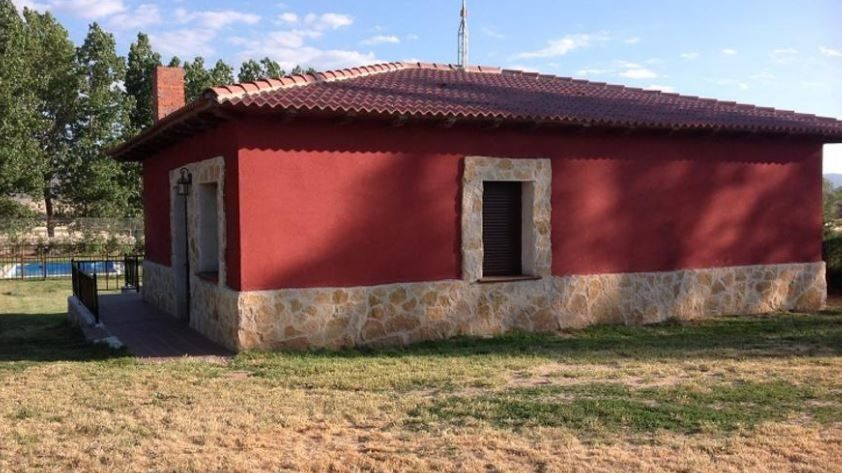 COSY APARTMENT LOCATED IN ÁVILA FOR 4 GUESTS.