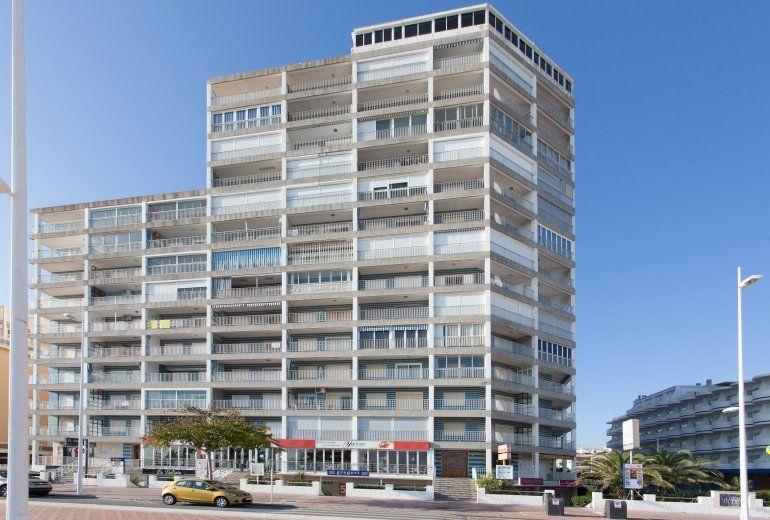 FANTASTIC APARTMENT LOCATED IN GRAU I PLATJA FOR 6 GUESTS. - Hotel cerca del Estación de Gandía