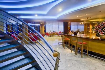 Hotel madeira centro en benidorm desde 69 trabber hoteles for Hoteles en benidorm con piscina climatizada