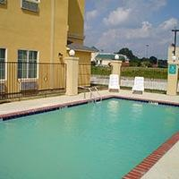 La Quinta Inn & Suites Canton
