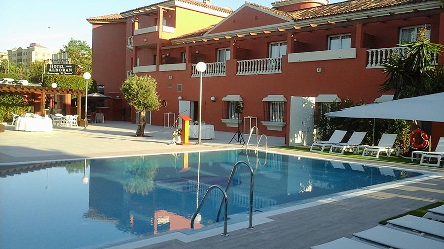 Albor n algeciras en algeciras desde 972 trabber hoteles for Piscina algeciras