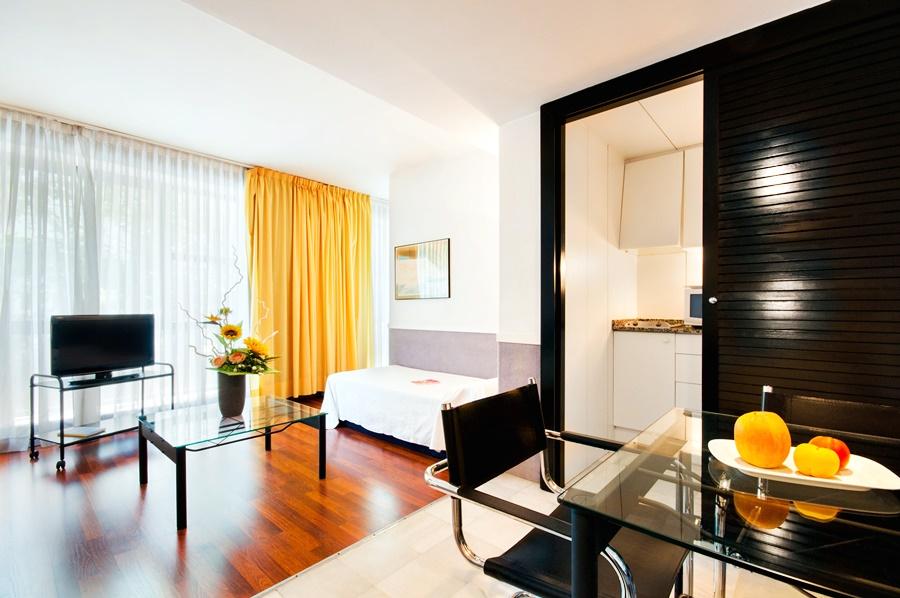 Apartamentos descartes en barcelona desde 56 trabber hoteles - Apartamentos en barcelona booking ...