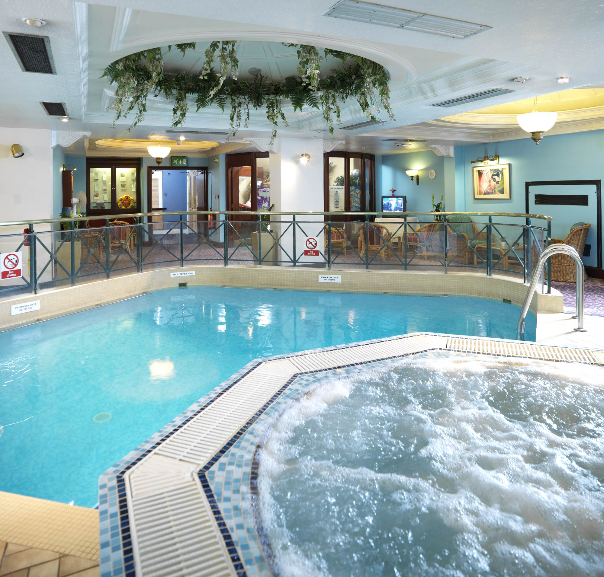 Ibis styles manchester portland in manchester from 62 - Swimming pool manchester city centre ...