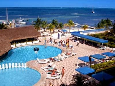 Aquamarina Beach Hotel Accommodations In Cancun